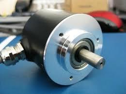 旋转编码器采集模块在工业场景下的应用与研究