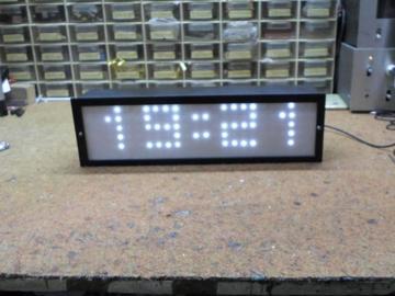 DIY一个蓝牙控制的大LED矩阵时钟