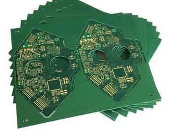 超级电容在RAM数据保护中的电路设计