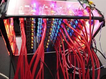 32块Raspberry Pi主板组建超级电脑