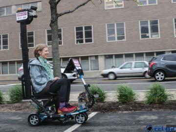 绝对是懒人!MIT 研发自动驾驶踏板车,逛街不用双脚不怕累