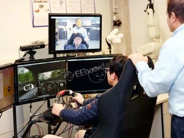 避免分心驾驶的新方案:让驾驶员处于人工智能系统的监控之下