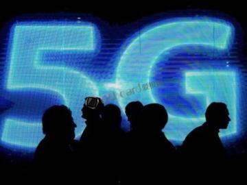 新型悬浮式天线 可避免出现被主板削弱信号强度问题,大幅提高5G网络的速度