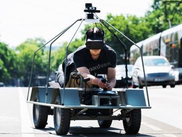 一帮德国工程师扮演起了自动驾驶汽车,这是闹哪样?