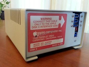 如何魔改 Apple Disk II 软驱外壳,并且塞进USB 3.0蓝光光驱