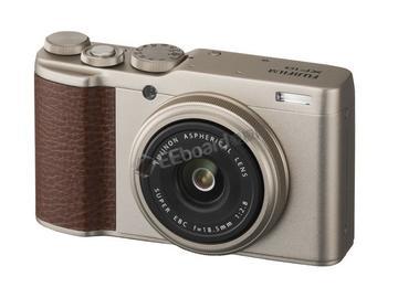 富士发布搭配 APS-C 大传感器的紧凑型相机新品