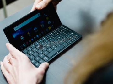 智能手机的兴起——你还能用回翻盖手机吗?