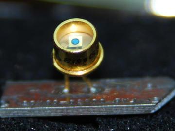 超敏感雪崩光电二极管问世,高速通信不在遥远