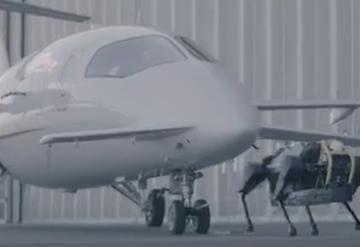 究竟是什么能源动力?四足机器人竟可以拉着飞机跑