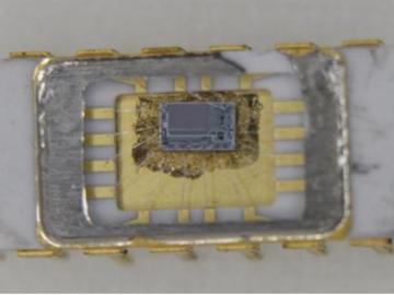 满满的历史沧桑感,一颗来自50年前的存储芯片的新鲜玩意儿