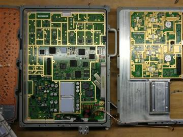 华为基站拆解曝光:PCB设计+高频走线,完美的像艺术品!