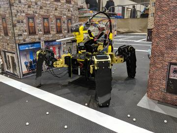 Numa 2:14 DoF Mech Warfare Robot,3DoF /腿四人運行的微型賽車