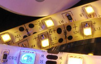 LED照明电路方案在临界导通模式和断续模式时的PFC设计有何不同