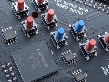 (金鼠纳福)老外的奇思妙想创意,基于开源RISC-V以及FPGA的结合将2019 SUPERCON徽章设计得如此与众不同