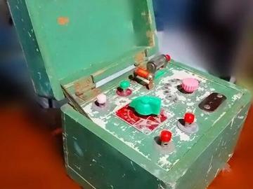 剖析老古董电路设计:拆解60年代的双矿石收音机