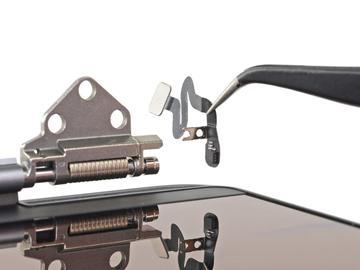 苹果16英寸MacBook Pro拆解:被忽略的盖角传感器诠释苹果工业设计的精雕细琢
