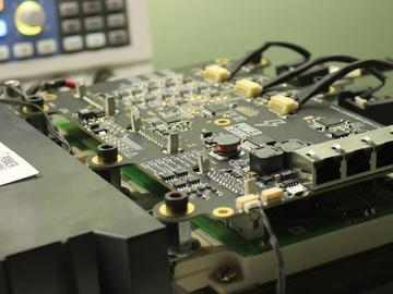 (金鼠纳福)基于FPGA的大功率,高性能400V/300A 100+kW电机控制器电路设计方案