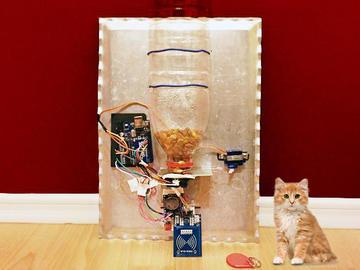 TEMT6000+GP2Y0A21YK+MFRC522+Arduino实现智能自动宠物喂食器diy