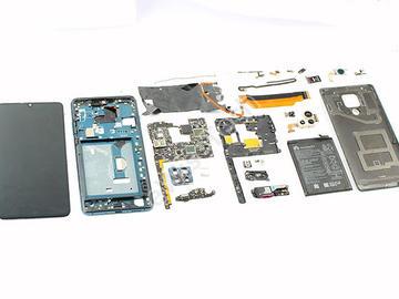 拆解华为Mate20 X 5G版本:电路设计复杂,总共2214个器件